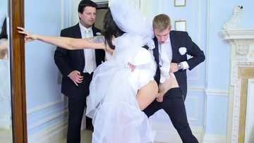 Sizzling bride Simony Diamond cheats her husband-to-be with Danny D